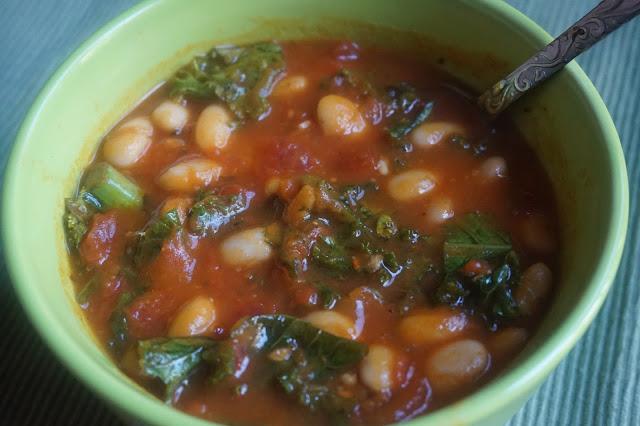 Tomato Basil Kale White Bean Soup