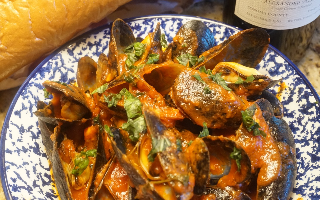 Steamed Mussels Marinara